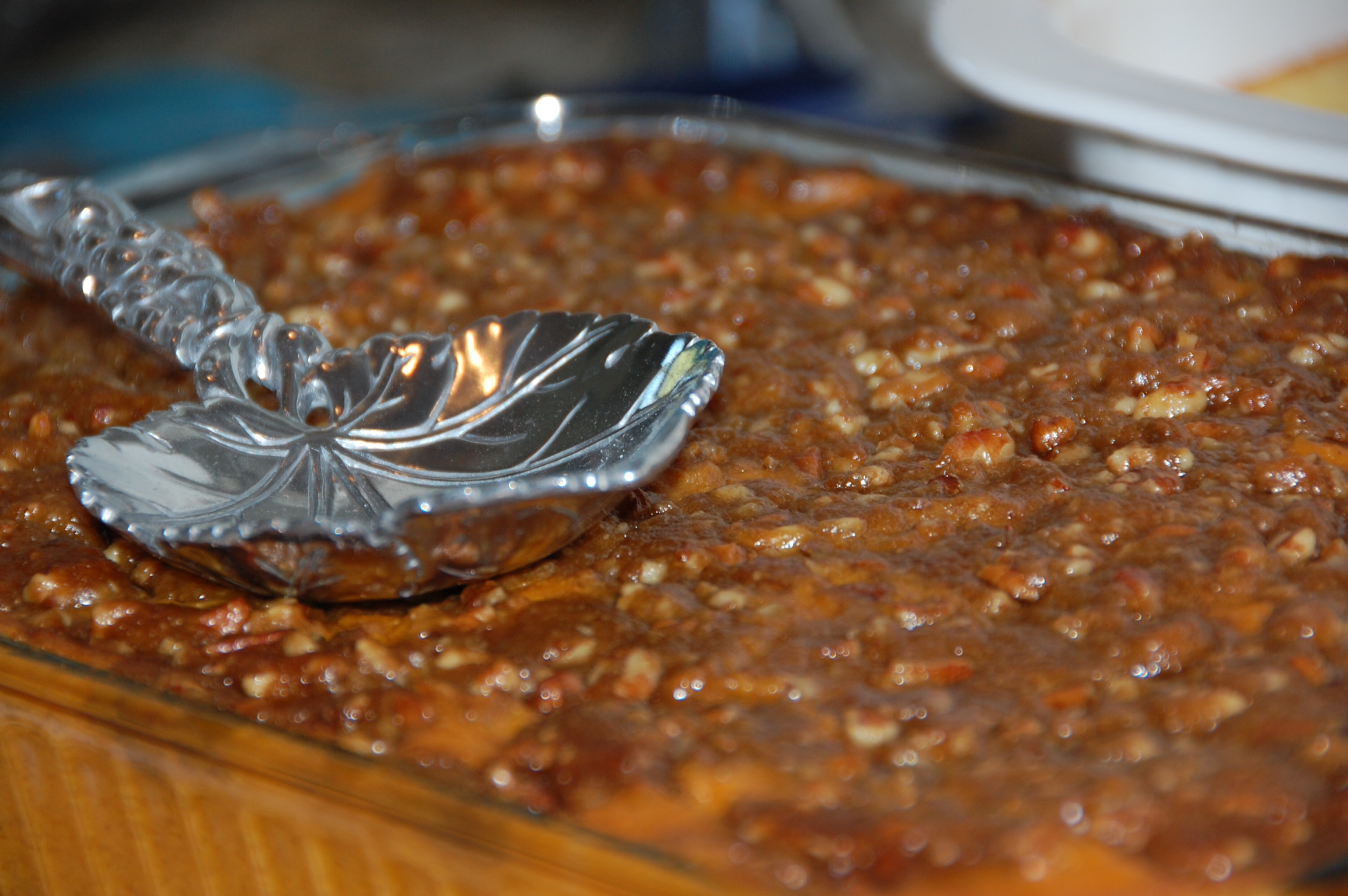 Sweet Potato Casserole with Pecan topping recipe by Crockpot Empire