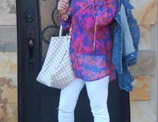 Spring Outfit Ideas on Crockpot Empire with fringe booties, white skinny jeans, Louis Vuitton Damier Azure, Floral Tunic, Kendra Scott Earrings, Ray Ban Aviators