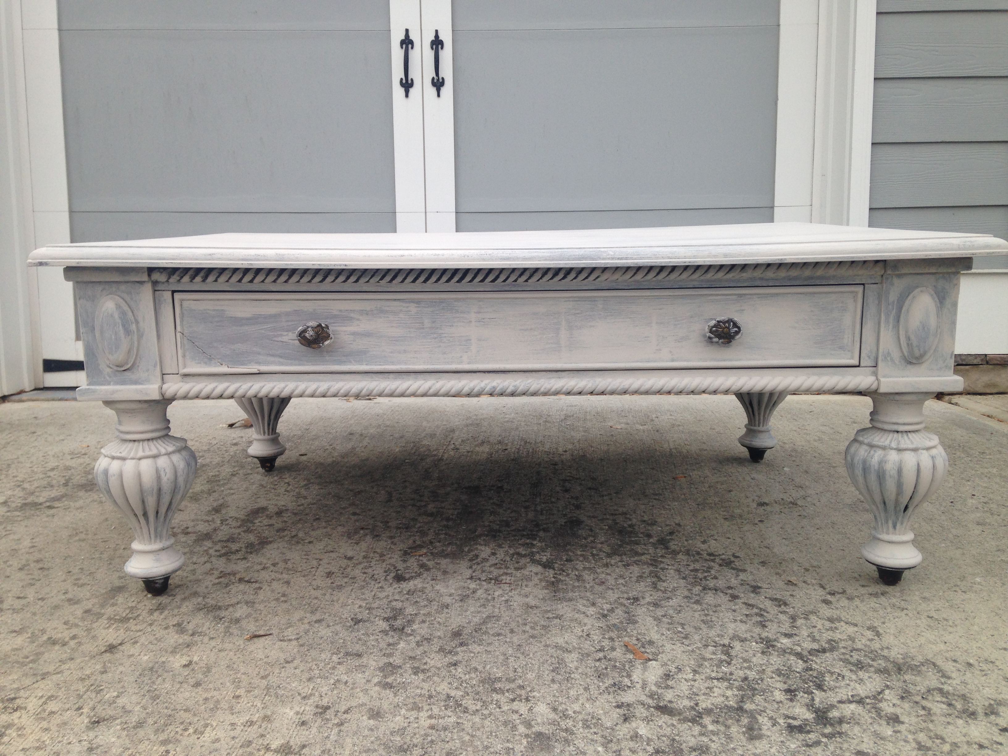 Chalk Paint - Furniture Makeover - Crockpot Empire - Kim Bishop