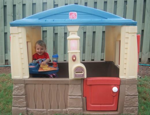 Step 2 Playhouse - Backyard Toys Toddler - Knox Bishop