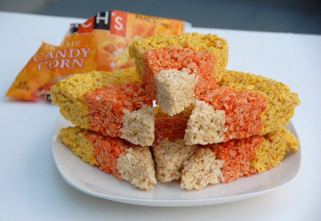 These Rice Krispies Treats that look like candy corns are the perfect fall and Halloween treat for your kids - Crockpot Empire