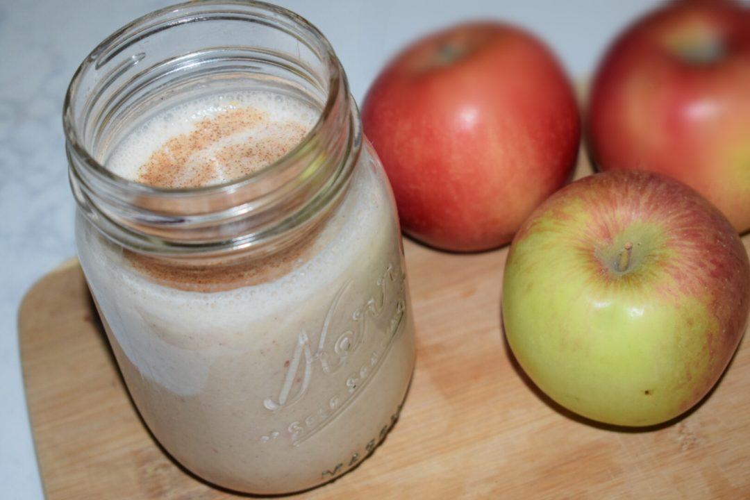 Apple Pie Smoothie on Crockpot Empire
